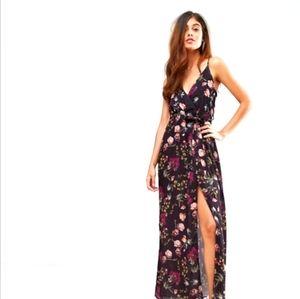 Mongeau maxi dress size medium